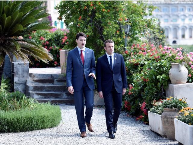 """Những hình ảnh """"đốn tim"""" dân mạng của hai vị nguyên thủ tại Hội nghị G7 ảnh 2"""