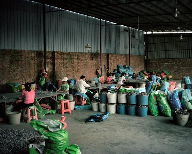Đây là nơi rác thải điện tử được xử lý: Tràn ngập ô nhiễm, độc hại ảnh 11