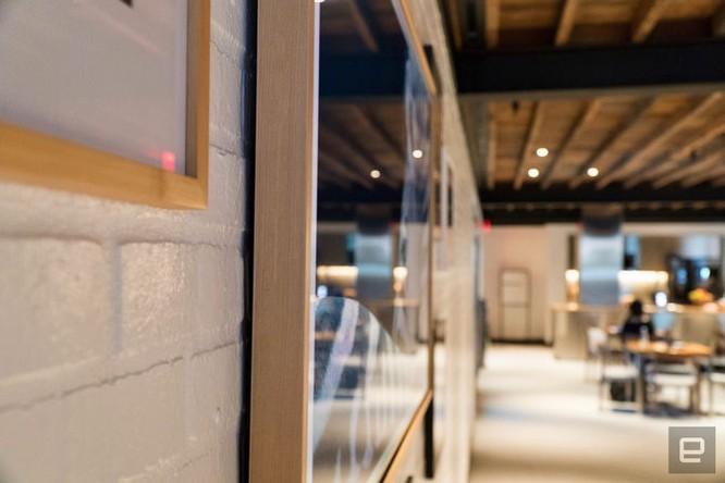 Samsung bán ra mẫu TV mỏng như tranh treo tường ảnh 4