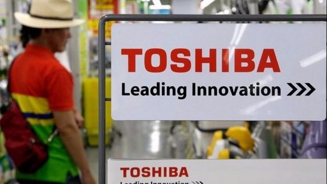 """Toshiba """"chọn mặt gửi chip"""" ở người khác, quyết tránh xa Apple, Dell, Foxconn ảnh 1"""
