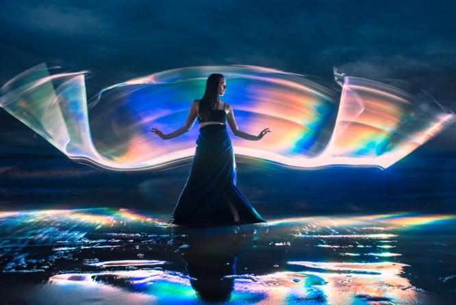 Chụp ảnh vẽ ánh sáng cầu vồng bằng ống phản xạ DIY ảnh 6