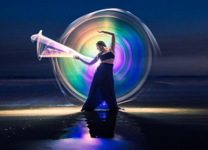 Chụp ảnh vẽ ánh sáng cầu vồng bằng ống phản xạ DIY ảnh 7