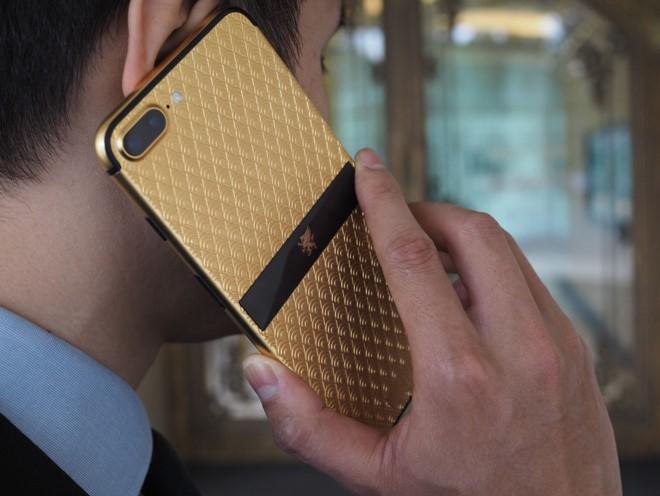 Những điện thoại xa xỉ, giá trăm triệu đồng ở Việt Nam ảnh 1