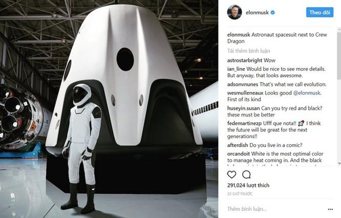 Chân dung đầy đủ bộ đồ phi hành gia vũ trụ của SpaceX ảnh 1