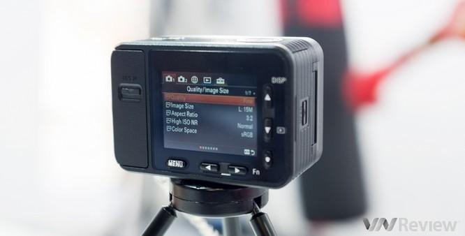 Cận cảnh Sony RX0 tại Việt Nam: Camera siêu nhỏ dùng ống kính Zeiss ảnh 1