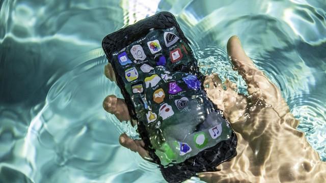iPhone chống nước - giấc mơ được cụ thể hóa dành cho các tín đồ công nghệ sau nhiều năm chờ đợi.