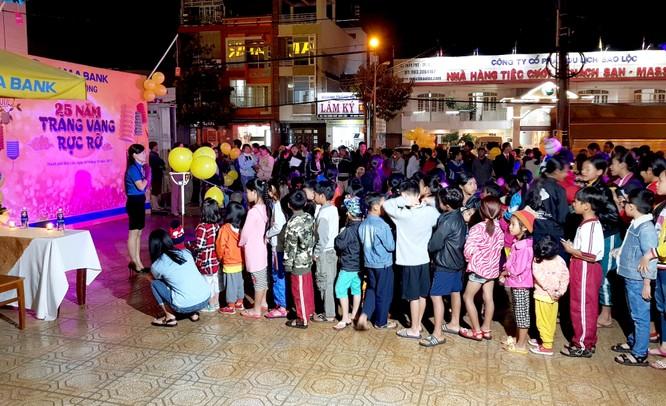 Nam A Bank mang niềm vui Trung thu đến các em nhỏ toàn quốc ảnh 2