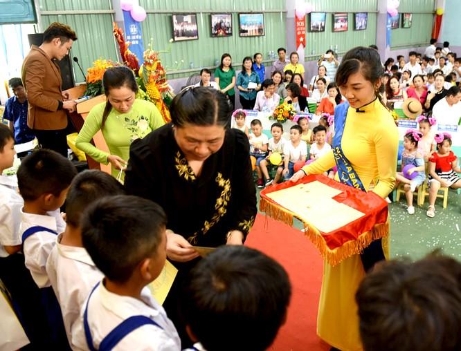 Nam A Bank mang niềm vui Trung thu đến các em nhỏ toàn quốc ảnh 3