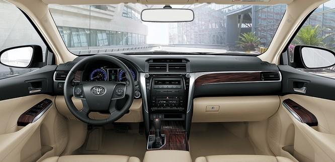 Toyota tiếp tục duy trì 3 phiên bản ở mẫu Camry 2017 vừa ra mắt ảnh 9
