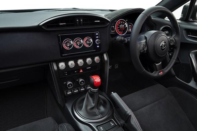 Ngắm concept Toyota GR HV Sports mạnh mẽ với thân hình đen bóng ảnh 4