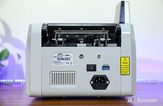 """Trên tay máy đếm tiền Silicon MC-9900N: 1.000 tờ/phút, """"bắt"""" được tiền siêu giả ảnh 4"""