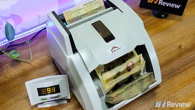 """Trên tay máy đếm tiền Silicon MC-9900N: 1.000 tờ/phút, """"bắt"""" được tiền siêu giả ảnh 13"""