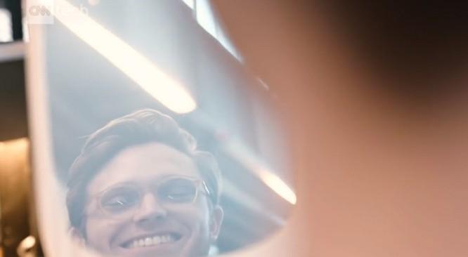 Gương thông minh chỉ cười mới hiện lên khuôn mặt của bạn ảnh 3