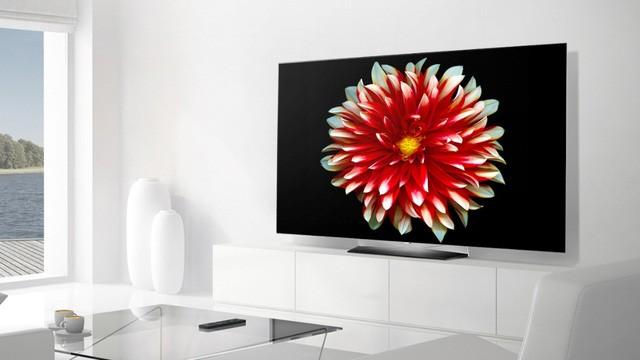 55EG9A7T với màu đen sâu thẳm và thiết kế siêu mỏng tinh tế nhờ công nghệ OLED mới, vượt trội so với công nghệ LCD