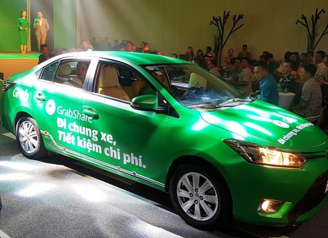 """""""Đại chiến"""" taxi: Grab, Uber chiếm lĩnh thị trường ra sao sau 2 năm thí điểm? ảnh 1"""