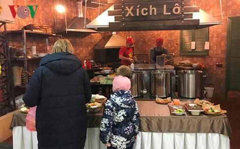 Nhà hàng Xích lô, mang phong cách phố cổ Hà Nội