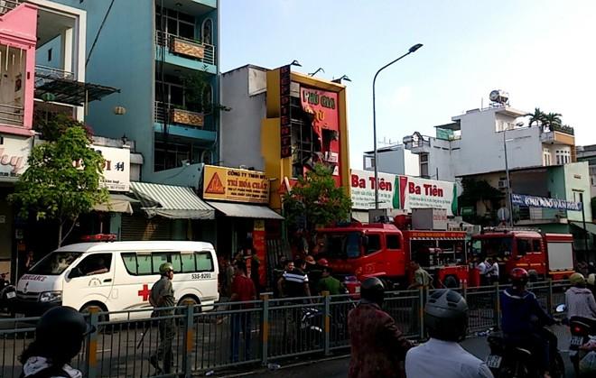 Tp. HCM: Cháy lớn tại cửa hàng bếp, 4 người thương vong ảnh 2
