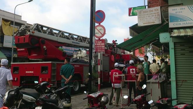 Tp. HCM: Cháy lớn tại cửa hàng bếp, 4 người thương vong ảnh 6
