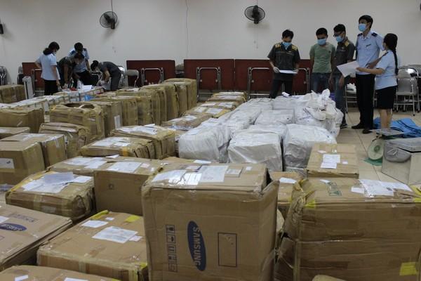 Cận cảnh 2,5 tấn lá thảo mộc chứa chất ma túy chuyển qua đường bưu chính quốc tế ảnh 2