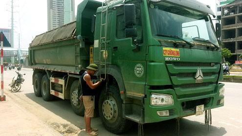CSGT Hà Nội truy đuổi 6km chặn xe ô tô gây tai nạn chết người ảnh 1