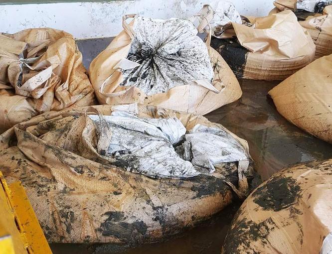 Cảnh chất thải công nghiệp 'đóng gói' ngập tràn Formosa ảnh 6