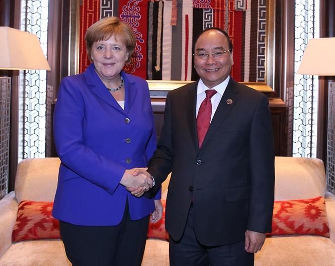 Thủ tướng tiếp xúc song phương với nguyên thủ, lãnh đạo các quốc gia Á, Âu ảnh 2