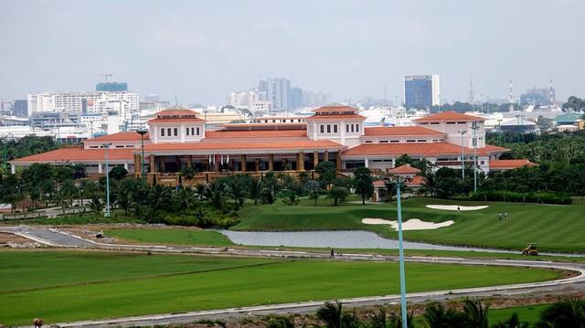 Đây là tòa nhà CLB Golf, nhà hàng A La Cart, trung tâm hội nghị tiệc cưới Him Lam Palace.