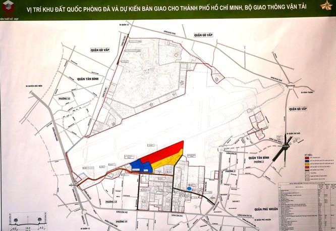 Vị trí khu đất quốc phòng đã và dự kiến bàn giao cho TP.HCM, Bộ Giao thông vận tải Ảnh: Ngọc Dương (chụp lại tài liệu trưng bày tại hội nghị)