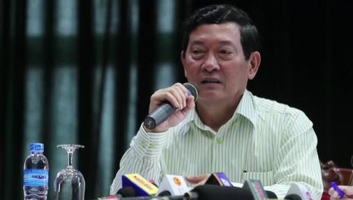 Thứ trưởng Huỳnh Vĩnh Ái trả lời tại họp báo