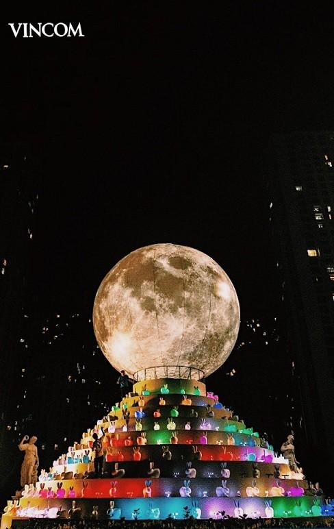"""Bất ngờ với kỷ lục mới – """"siêu trăng"""" khổng lồ tại Việt Nam ảnh 2"""