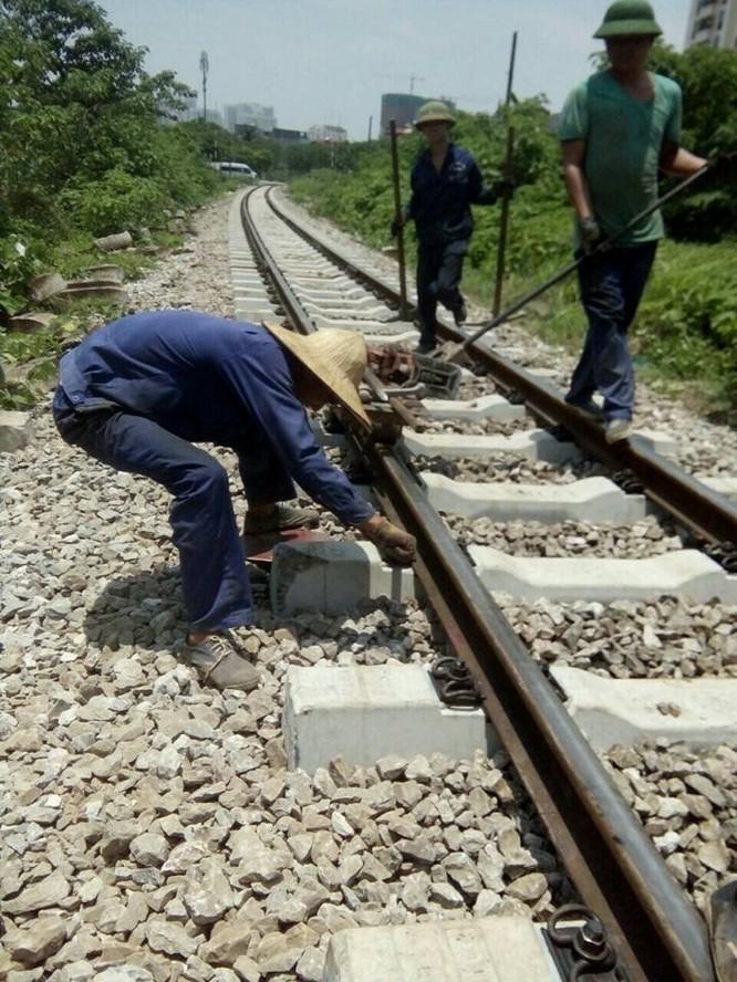Kỳ 1: Đường sắt Việt Nam: già nua và cũ kỹ ảnh 1