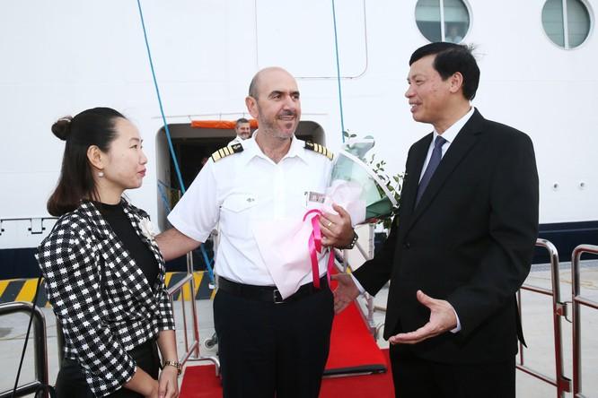 Cảng hành khách du lịch quốc tế chuyên biệt đầu tiên của Việt Nam chính thức đón tàu hạng sang ảnh 2