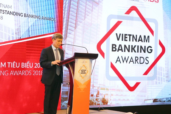 LienVietPostBank nhận cú đúp giải thưởng tại Vietnam Outstanding Banking Awards 2018 ảnh 1