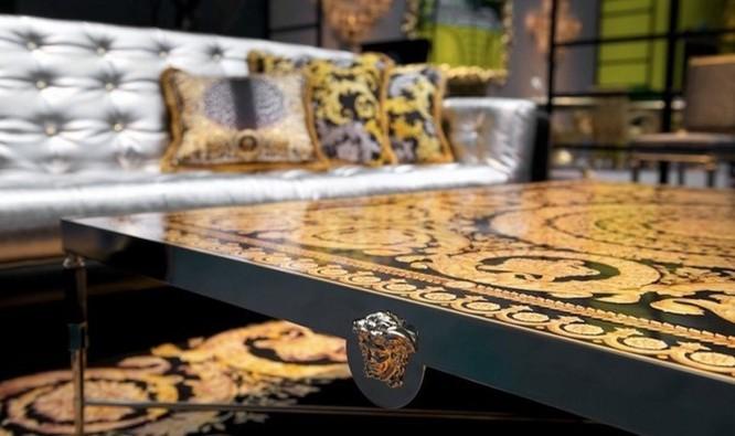 Nội thất mang thương hiệu Versace khẳng định chất sống thời thượng