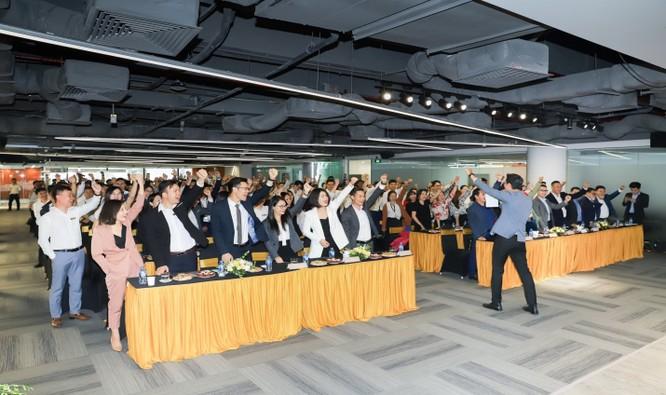 """Sự hào hứng và quyết tâm của các chuyên viên kinh doanh CenLand khi phân phối dự án """"hàng hiệu"""" King Palace"""