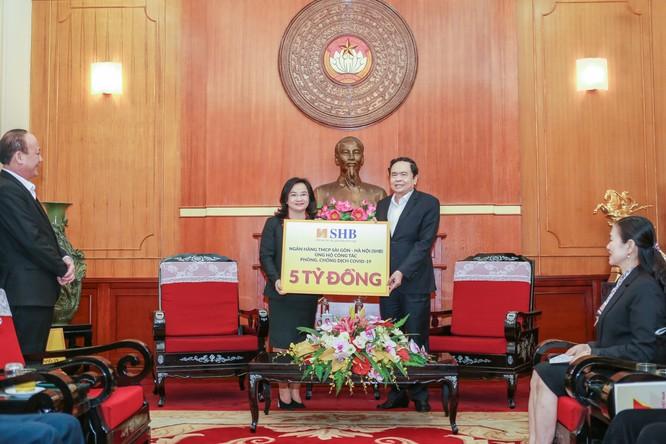 SHB đã trao 5 tỷ đồng ủng hộ công tác phòng chống dịch COVID-19 thông qua Ủy ban Trung ương Mặt trận Tổ quốc Việt Nam