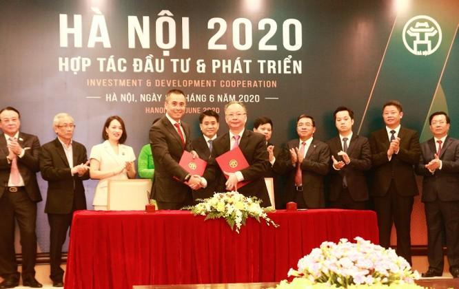 Đại diện Thành phố Hà Nội và và đại diện tập đoàn KDI Holdings ký kết thỏa thuận hợp tác cho 2 dự án tại Bắc Từ Liêm với tổng mức đầu tư hơn 1 tỷ đô la mỹ. (Nguồn : KDI Holdings)