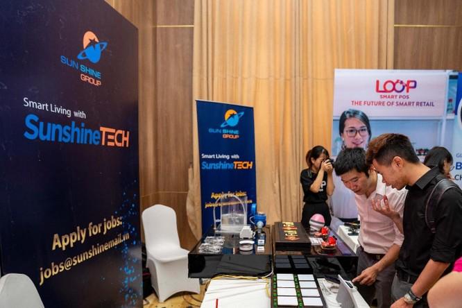 Gian hàng của Sunshine Tech tại sự kiện Vietnam Mobile Day 2019, giới thiệu những sản phẩm sử dụng công nghệ tiên tiến và, hiện đại đang được áp dụng vào các căn hộ của Sunshine Group