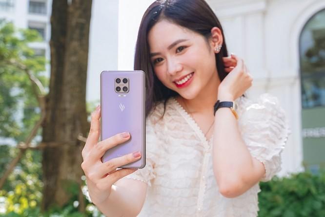 VinSmart ra mắt Aris Pro - điện thoại camera ẩn đầu tiên tại Việt Nam ảnh 2