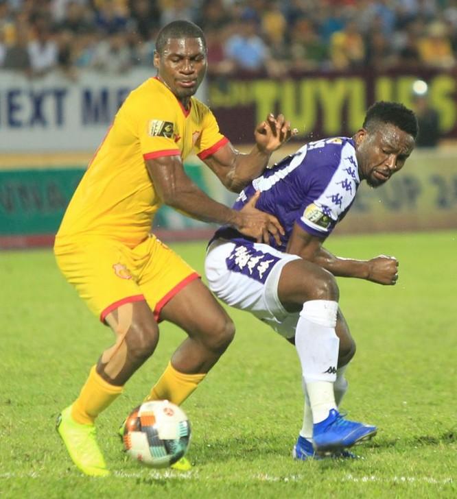 Nam Định đã thắng đương kim vô địch 2-0