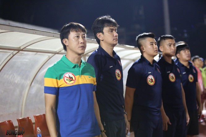 """Sài Gòn là một trong những đội bóng """"đa quốc tịch"""" nhưng lại khá đoàn kết nhờ lối cư xử đàn anh của HLV Thành Công (ảnh Bongdaso)"""
