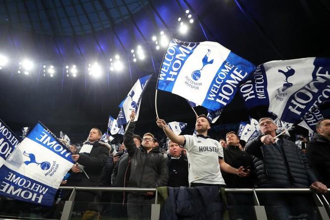 Fan Tottenham tự hào khi Spurs là một trong những CLB có truyền thống lâu đời bậc nhất lịch sử bóng đá Anh