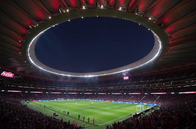 """Các fan """"Gà trống"""" có chút ló lắng khi Madrid là """"mảnh đất dữ"""" (ảnh talkSPORT)"""