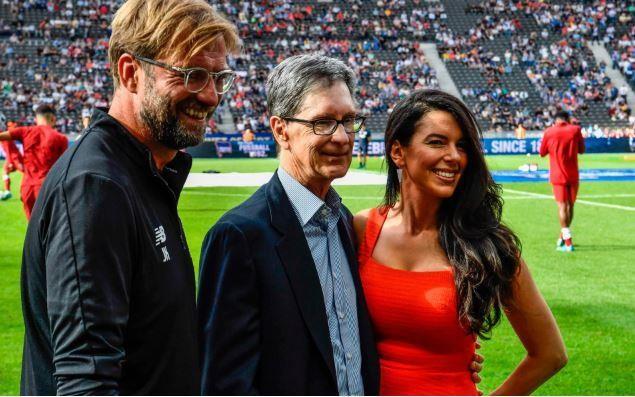 """. Ngay sau """"nỗi đau Kiev"""", để Real nẫng cúp vàng trên tay, ông bầu Liverpool đã móc hầu bao 163,98 triệu bảng để đầu tư đội hình (ảnh AFP)"""