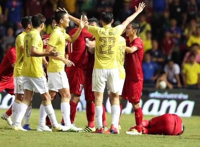 Chơi rất thô bạo nhưng Thái Lan vẫn không thể kiếm được chiến thắng trên sân nhà (ảnh TTVH)