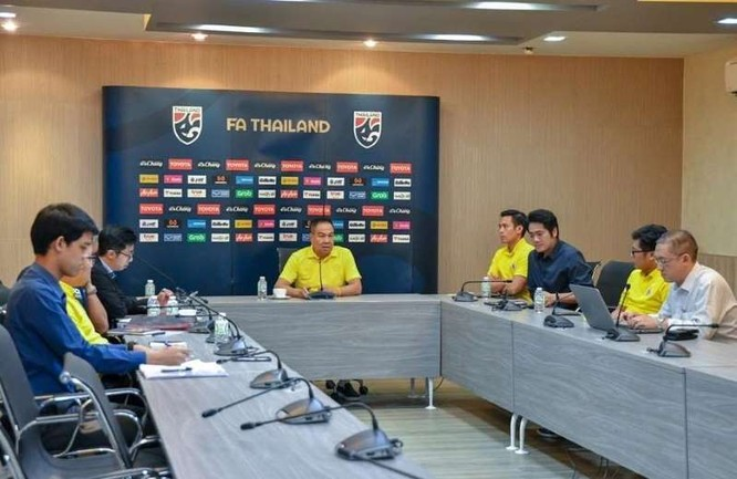 Chủ tịch FAT Somyot, người đứng sau các thất bại của bóng đá Thái Lan ảnh 1