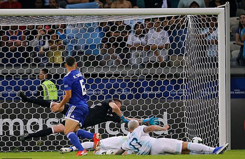 Làm sao để Argentina giành 3 điểm trước Qatar ở loạt đấu cuối cùng (ảnh AP)