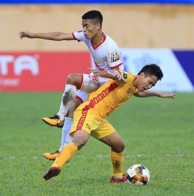 Điều tiết thể lực đang là vấn đề lớn của Nam Định khi bước vào lượt về V.League 2019 (ảnh VPF)