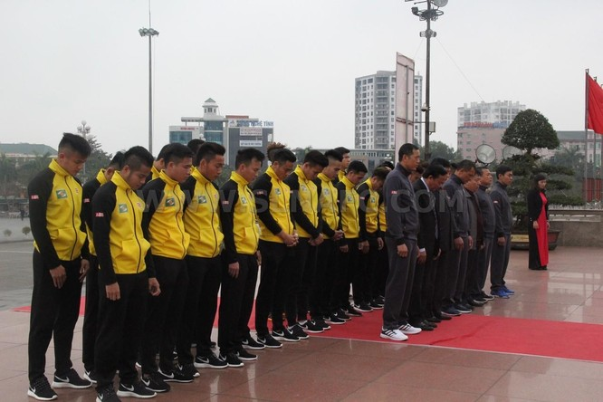SLNA cũng rất chú trọng thực hiện lễ xuất quân tại Quảng trường Hồ Chí Minh (Vinh). Ảnh Songlamplus.