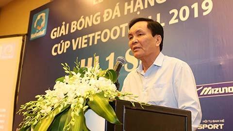 Ông Cấn Văn Nghĩa rút lui khỏi chức vụ PCT phụ trách tài chính để dành thời gian tập trung cho công việc ở vị trí PCT chuyên môn của… Hiệp hội thể thao dưới nước (ảnh VietTimes)